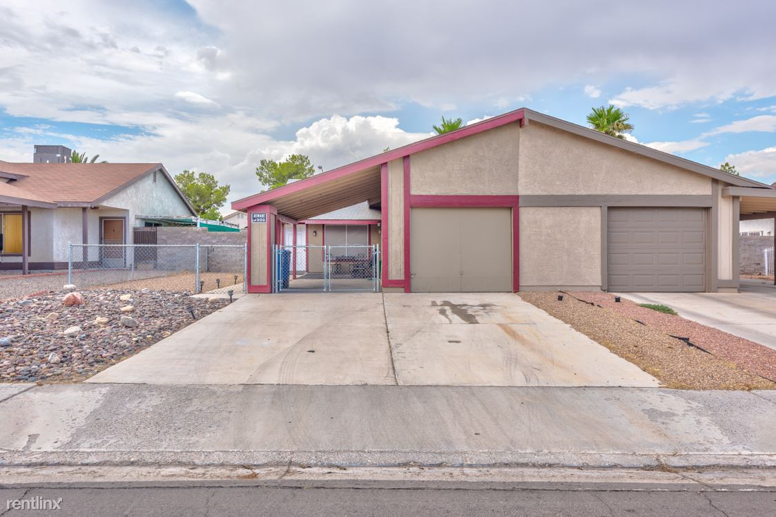 4435 Pinegrove St, Las Vegas, NV - $1,300 USD/ month