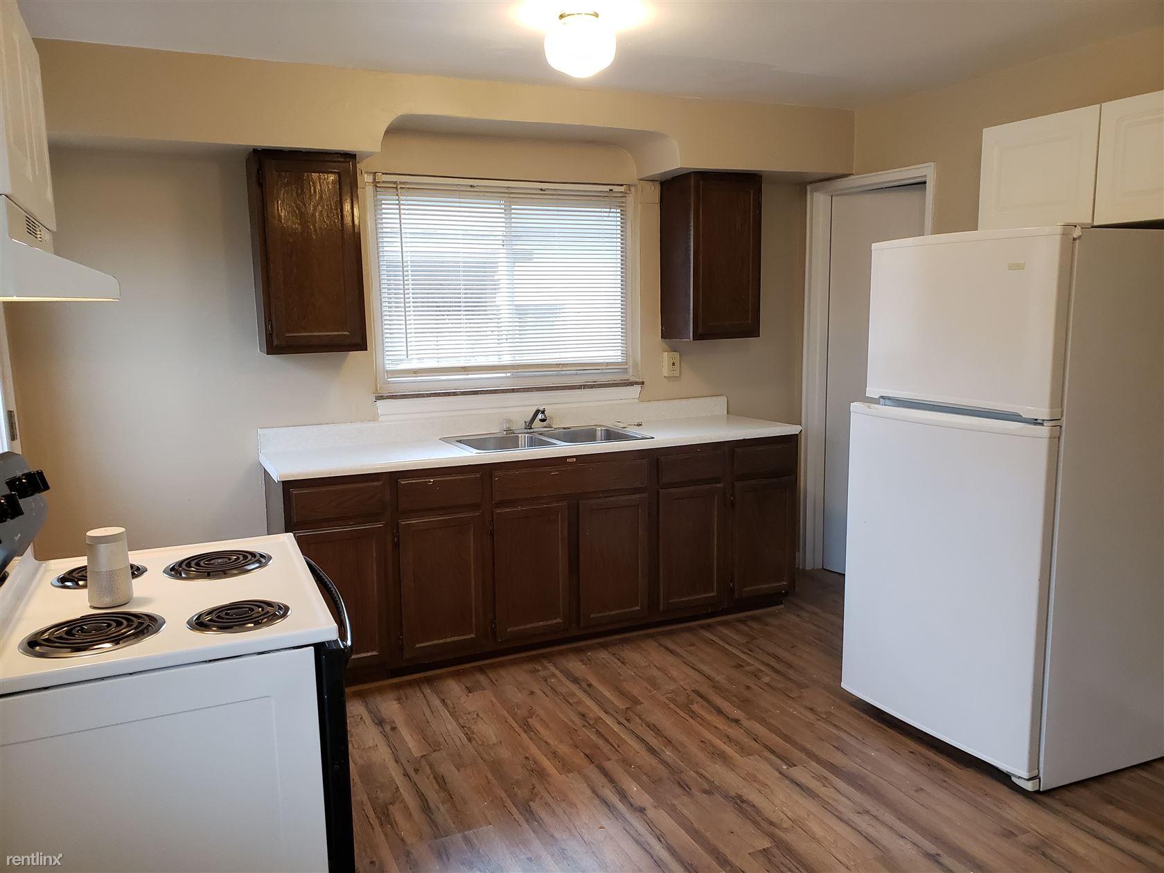 336 E Pike St, Houston, PA - $950