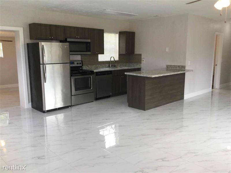 3510 NW 7th St, Lauderhill, FL - $1,935
