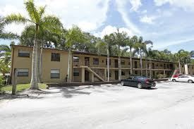 7700 Starkey Rd # 10, Largo, FL - $875