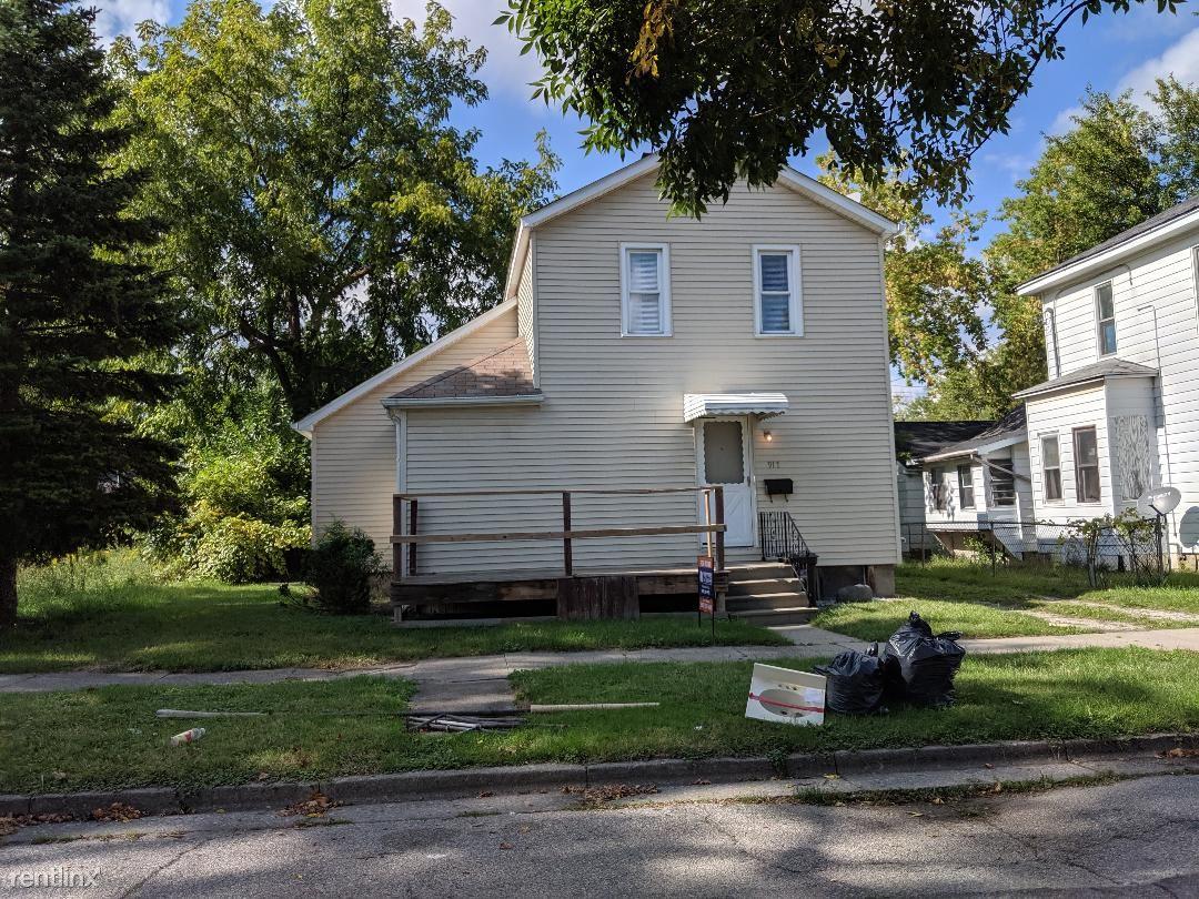 917 N Harrison St, Saginaw, MI - $800