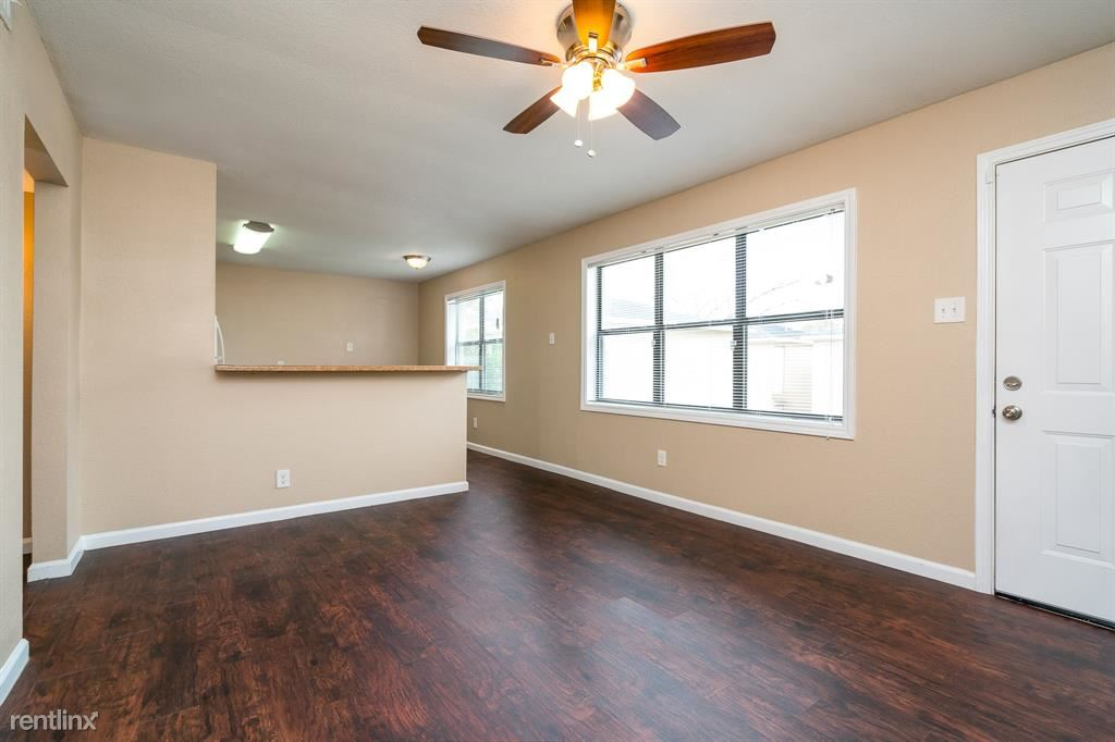 3620 Southmore Blvd - 950USD / month