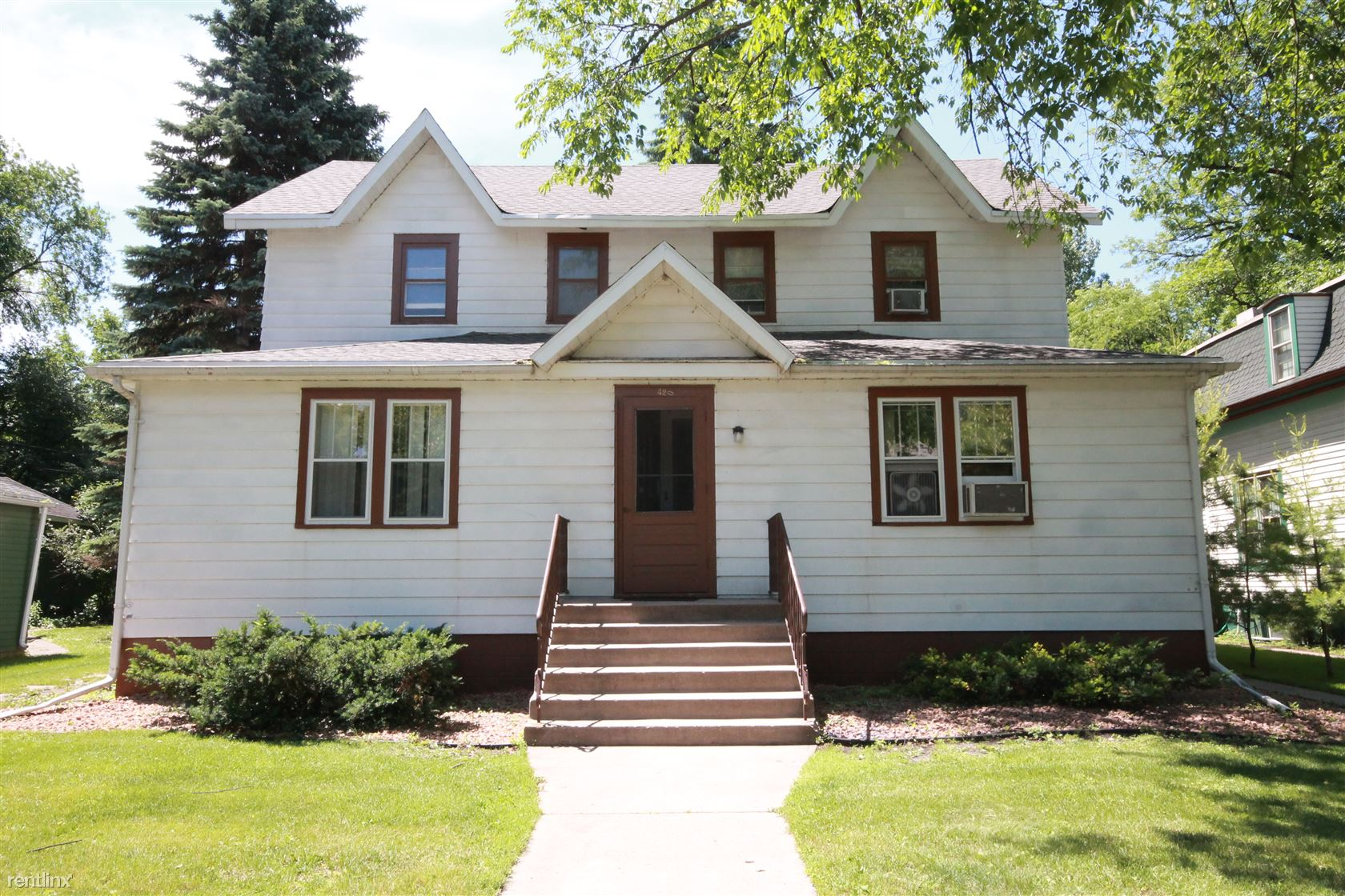 420 S 6th St, Grand Forks, ND - $550