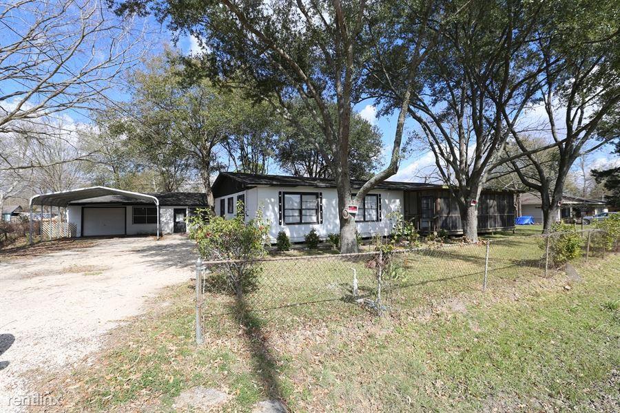 206 E Canal Rd, Highlands, TX - $1,349