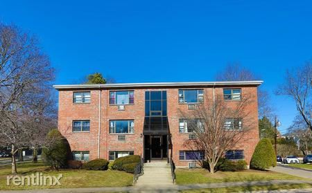 264 Grove St, Auburndale, MA - $2,250 USD/ month