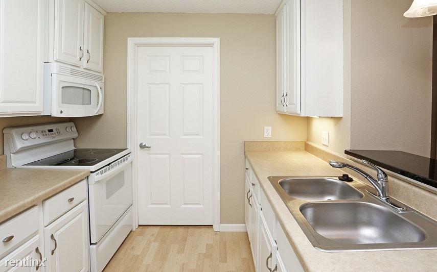 W 78th St & Great Plains Blvd, Chanhassen, MN - $1,550