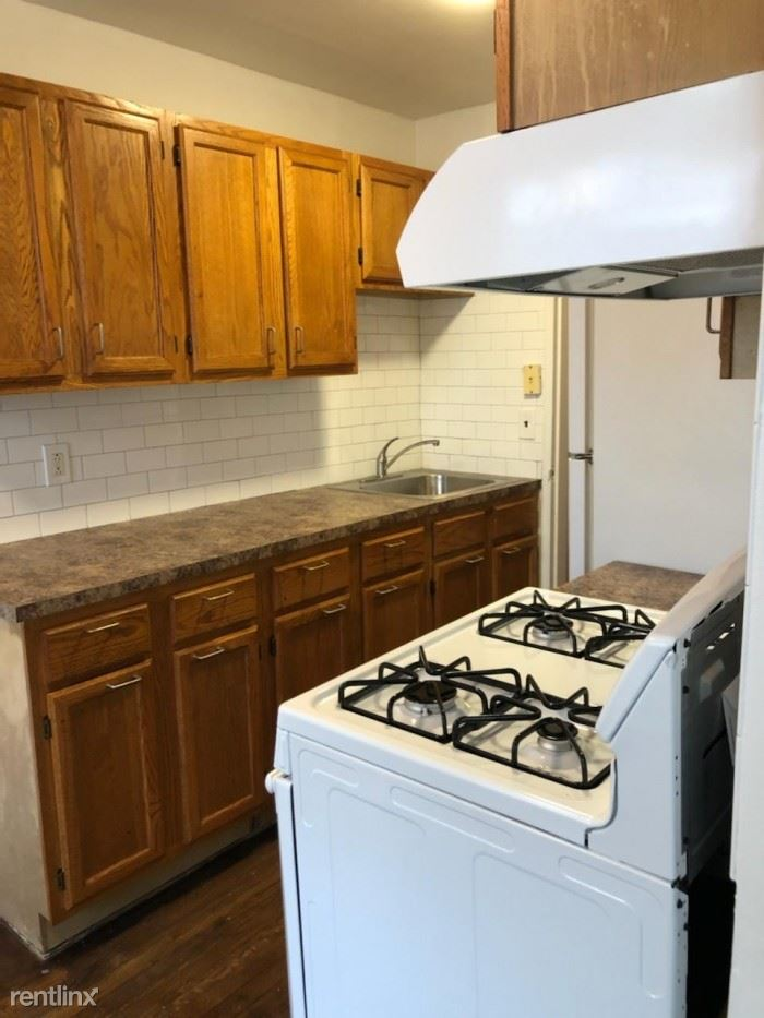 W Post Rd, White Plains, NY - $1,795 USD/ month