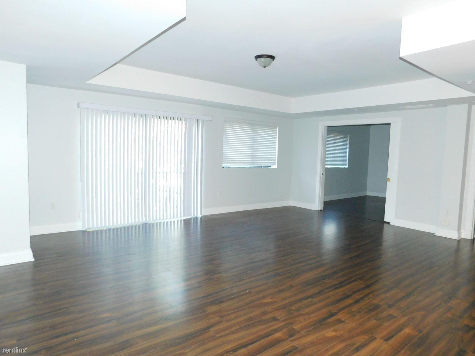4241 N Ocean Blvd Apt 103, Fort Lauderdale, FL - $3,000