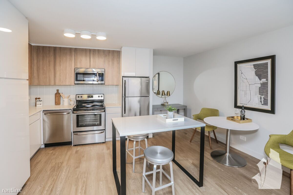 538 W Wrightwood Ave - 1729USD / month