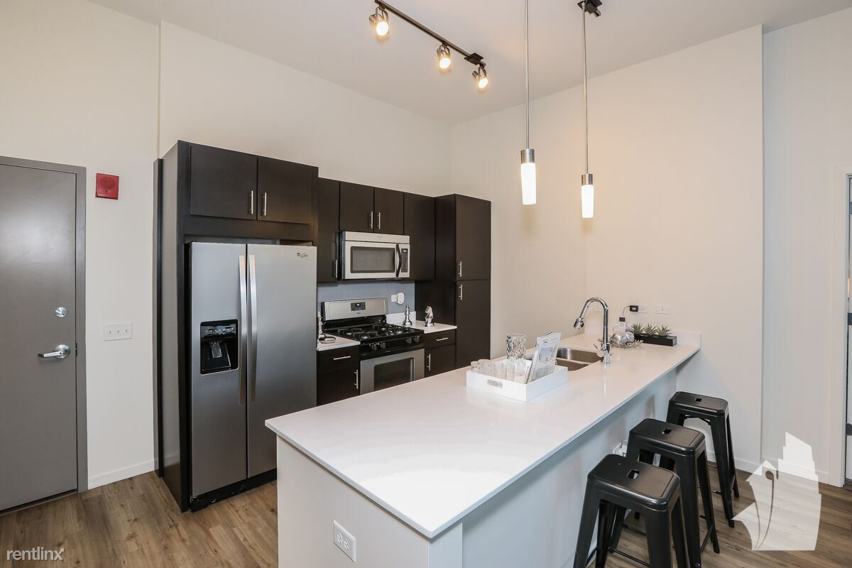 3729 N Halsted St - 1499USD / month