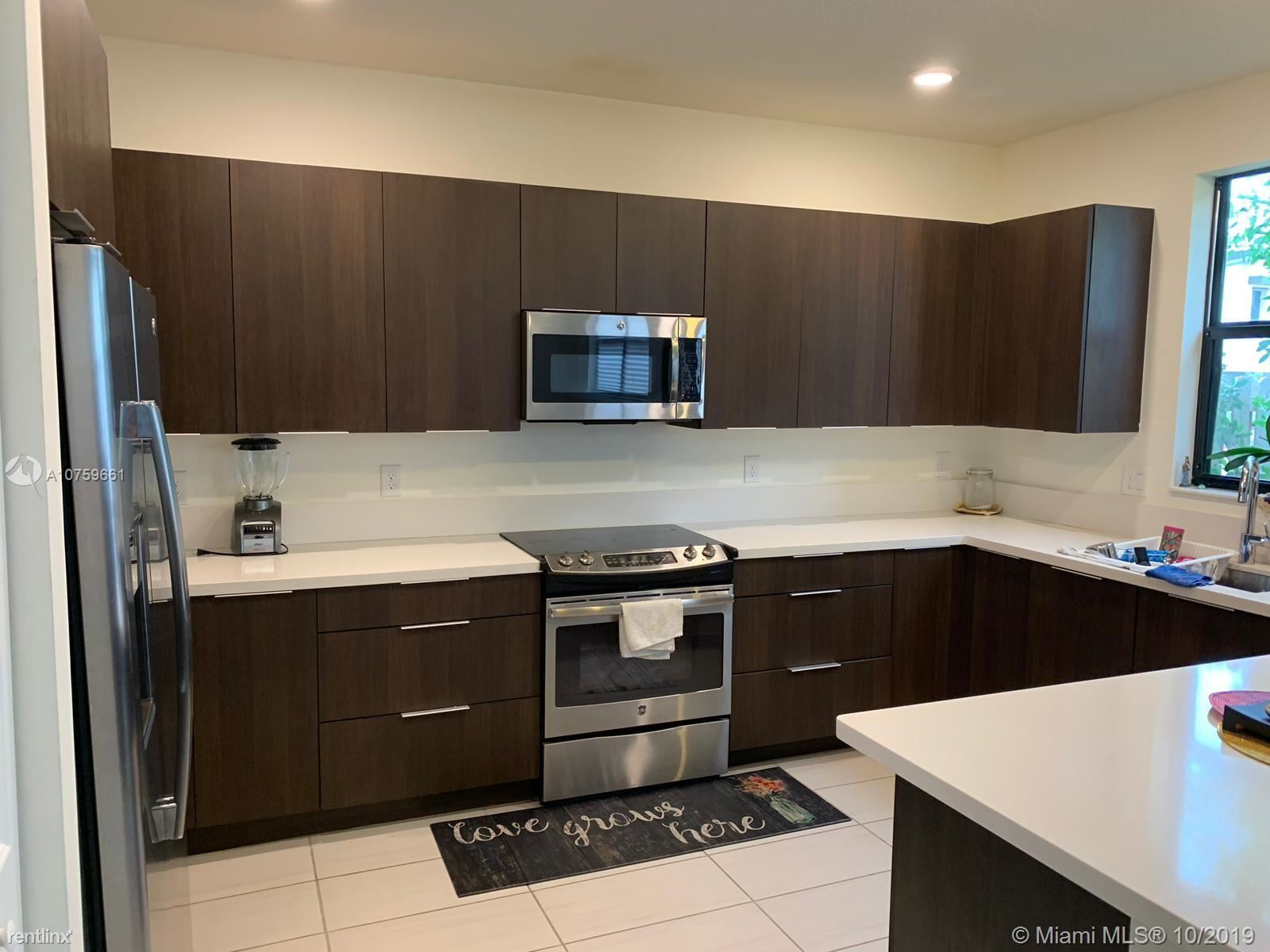 10515 NW 78th Ter, Doral, FL - $2,950