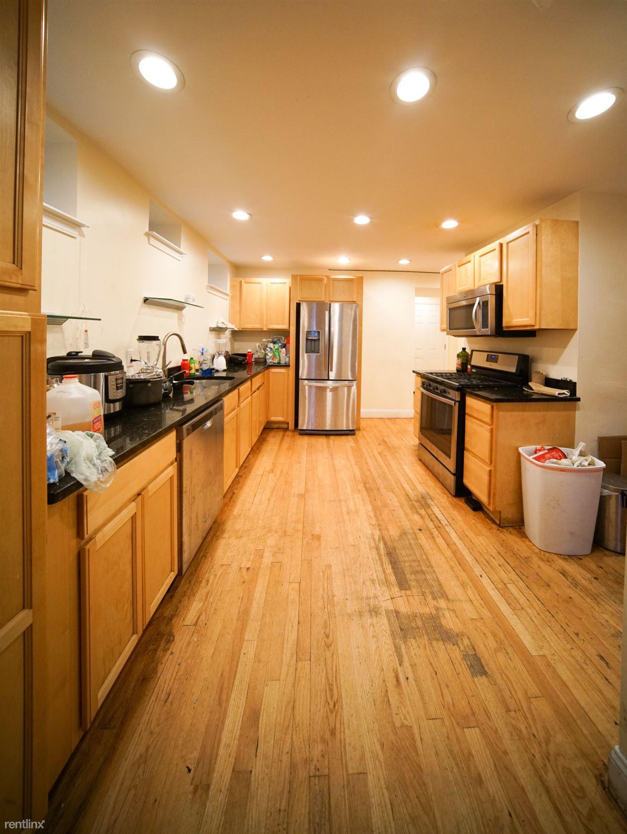 48 Ashford St # 1, Boston, MA - $7,750