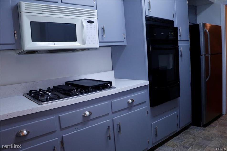 6037 Delafield Ave, Bronx, NY - $3,400