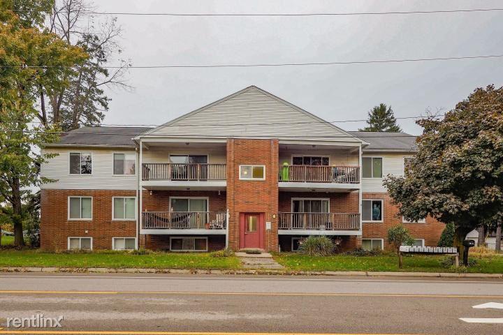 600 W Michigan Ave Apt 1, Paw Paw, MI - $690