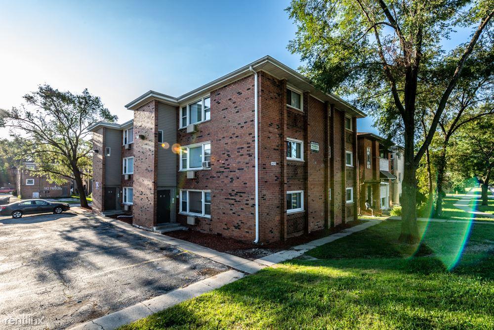 14031 S School St, Riverdale, IL - $925 USD/ month