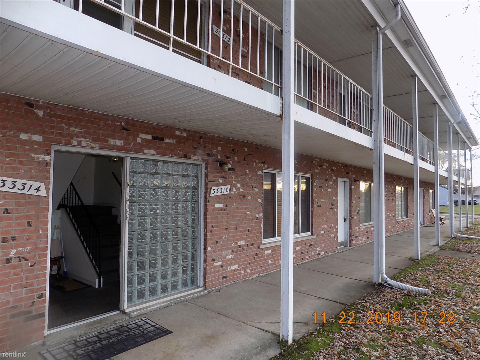 33310 Harper Ave Bldg 1 Unit 3, Saint Clair Shores, MI - $800