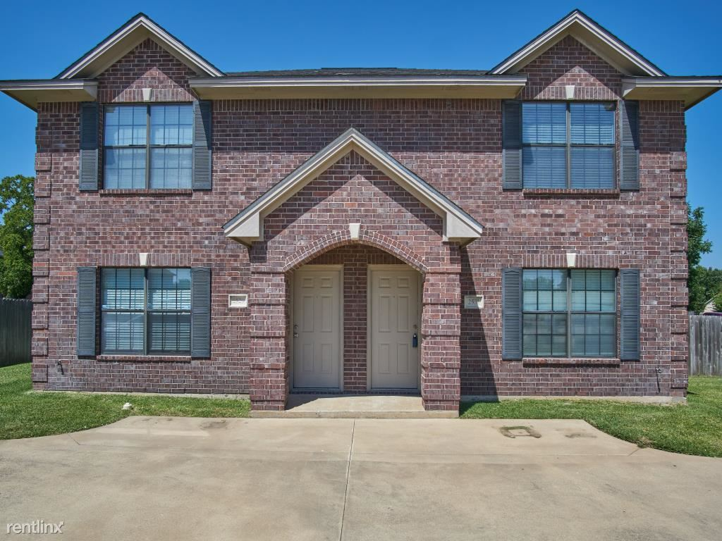 2500 Teal Dr, College Station, TX - $1,225 USD/ month