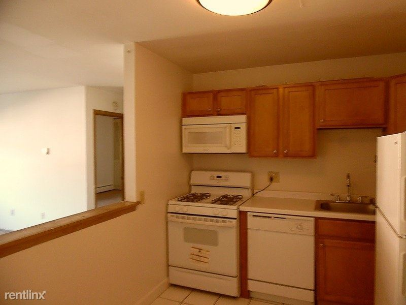 3069 North Oakland Avenue, Milwaukee, WI - $850