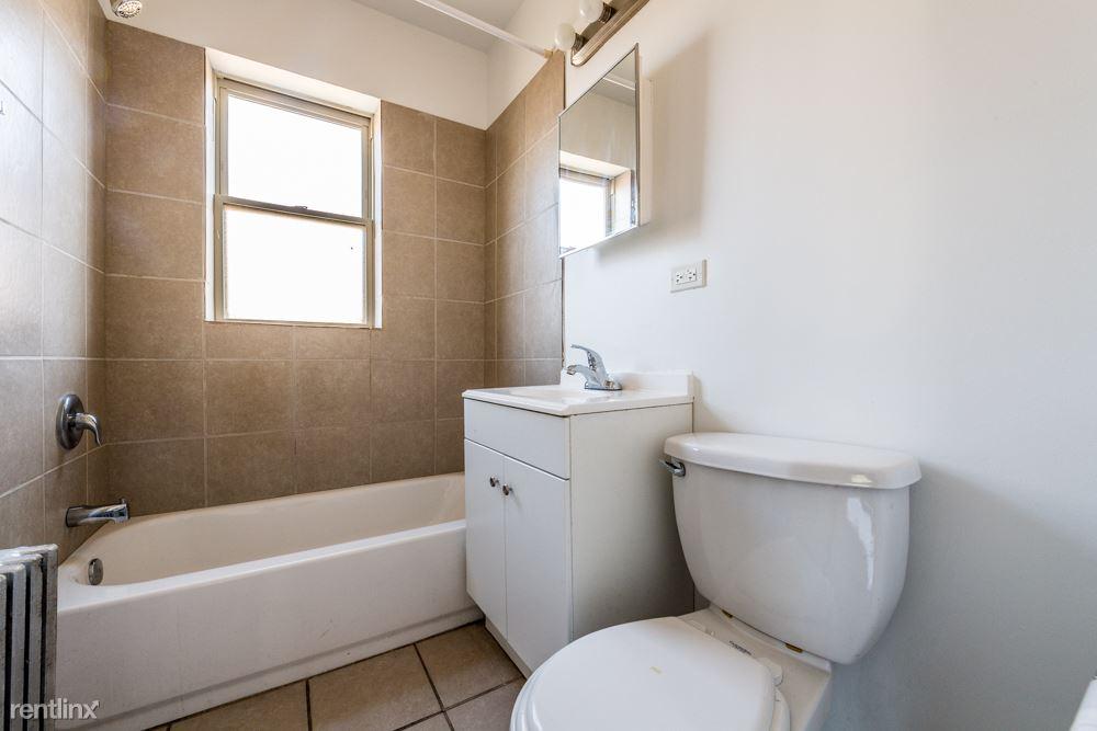 7701 S Stewart Ave, Chicago, IL - 635 USD/ month
