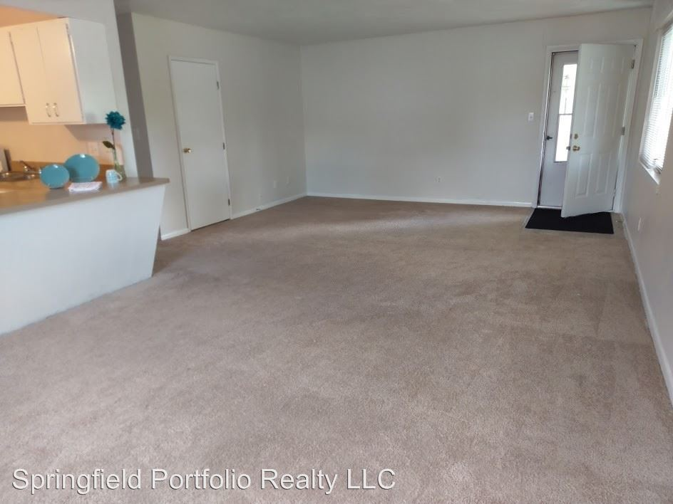 2107 troy rd, Springfield, OH - $699
