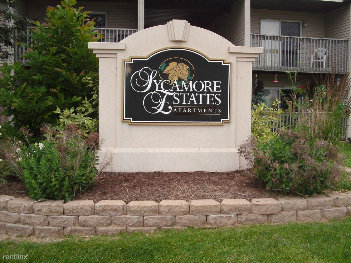 2416 Park Ave, Muscatine, IA - $725