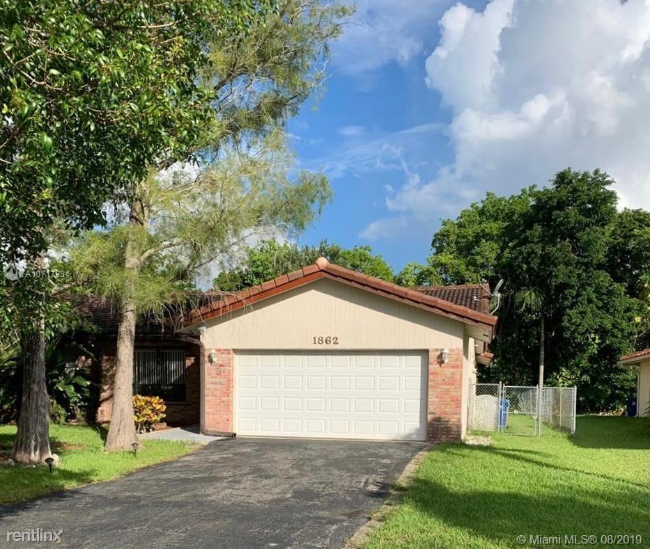 1862 NW 93rd Ter, Coral Springs, FL - $2,400