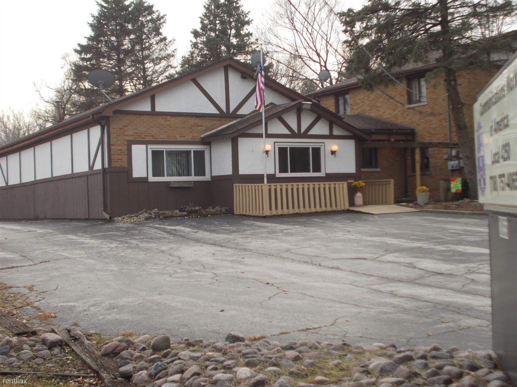 3055 Glenwood Dyer Rd, Lynwood, IL - $1,500