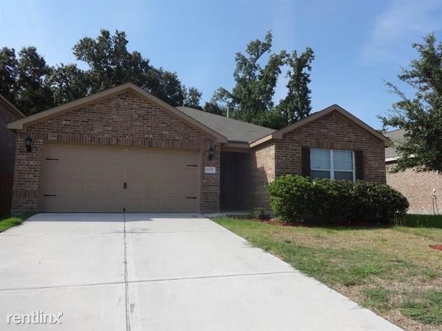 10292 Stone Gate Dr, Conroe, TX - $1,650