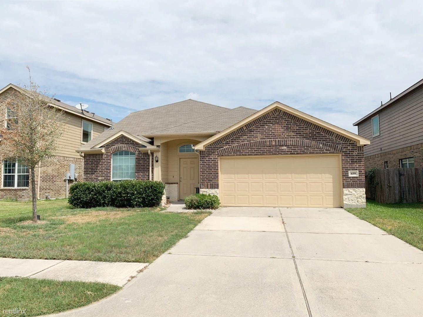 439 Woodhaven Forest Dr, Conroe, TX - $1,725