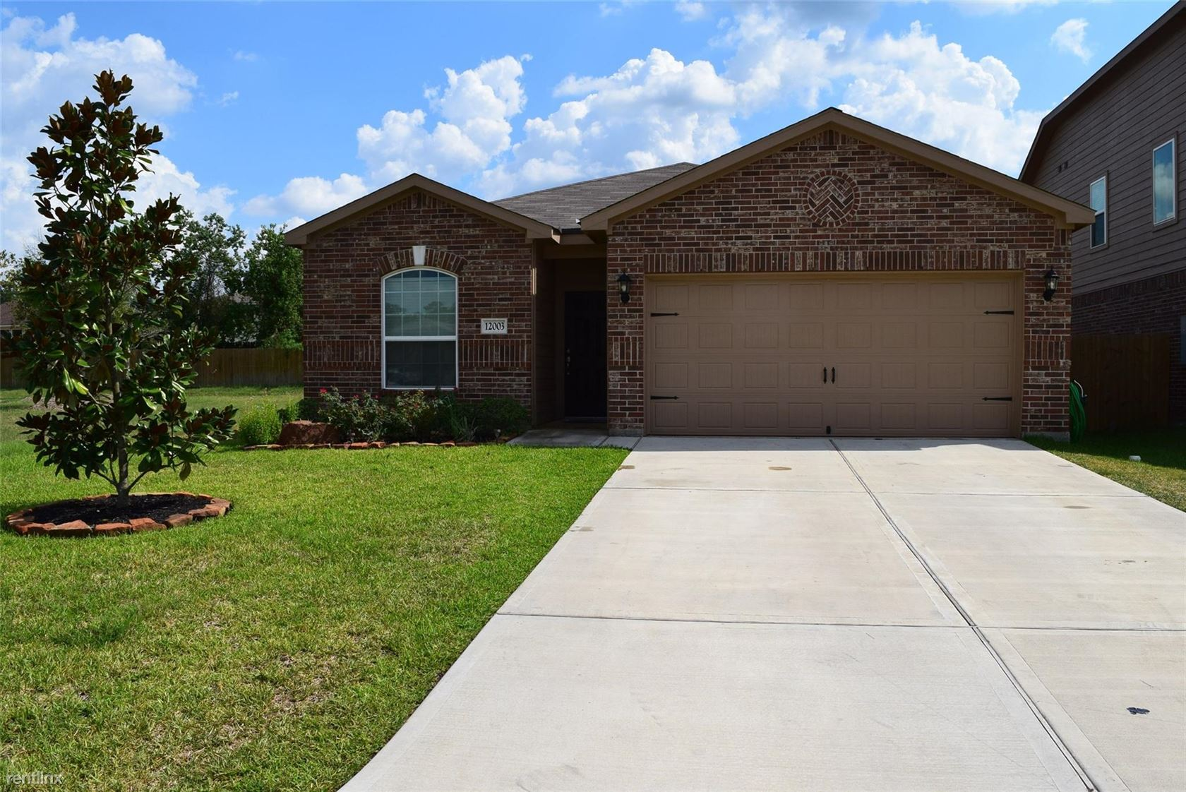 12003 Powderhorn Ln, Pinehurst, TX - $1,660