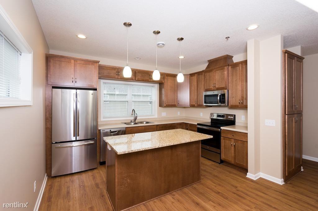 Hwy 212 & Engler Blvd, Chaska, MN - $2,000