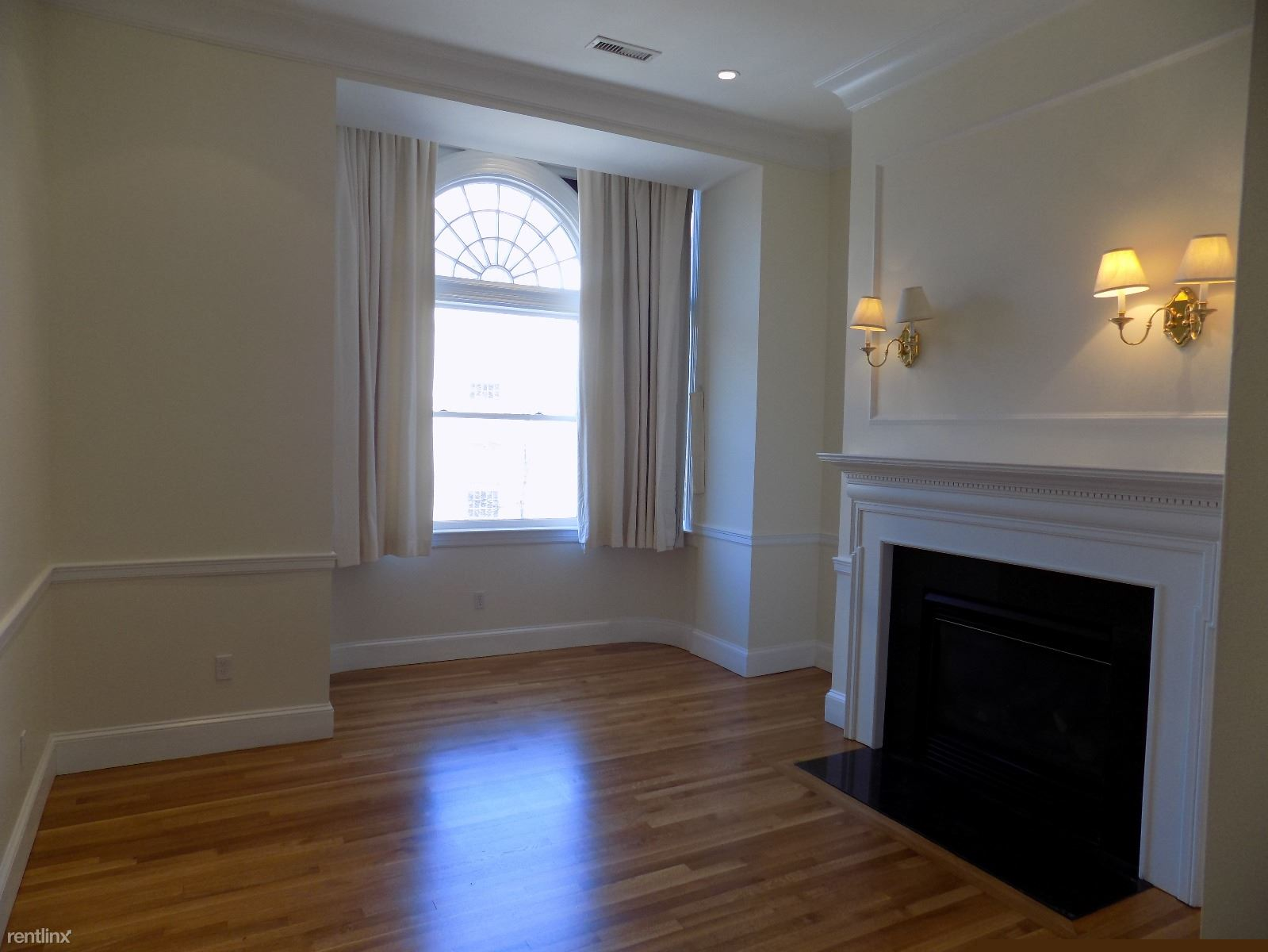 22 Beacon St, Boston, MA - $7,000