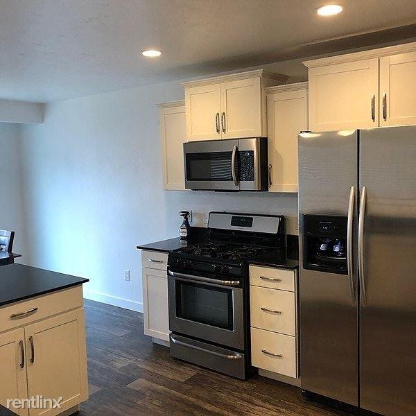 107 Ashgrove Lane, Saratoga Springs, UT - $1,695