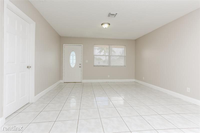 1200 SW 18th St, Fort Lauderdale, FL - $1,785