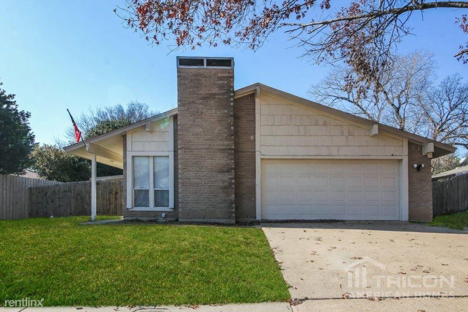 1631 Shannon Drive, Duncanville, TX - $1,499