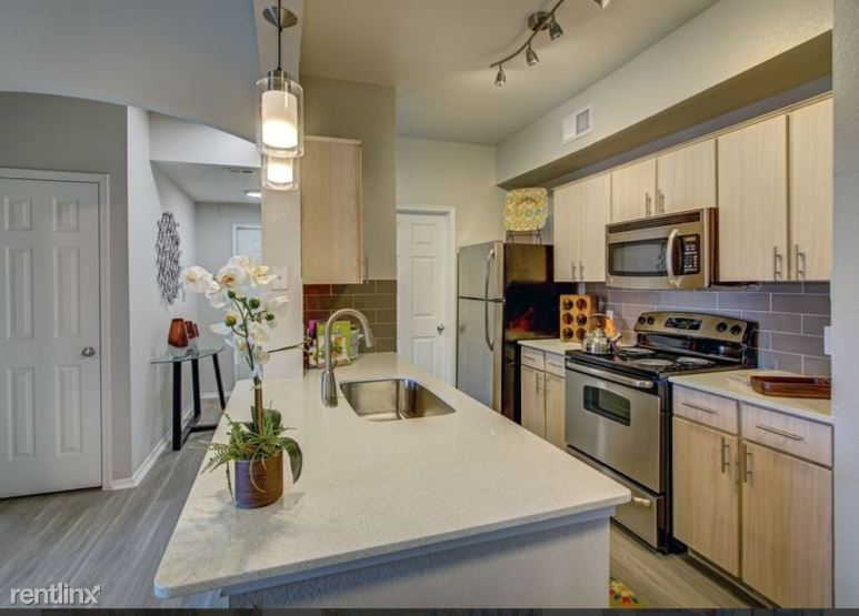 16300 Ledgemont Ln, Addison, TX - $1,560
