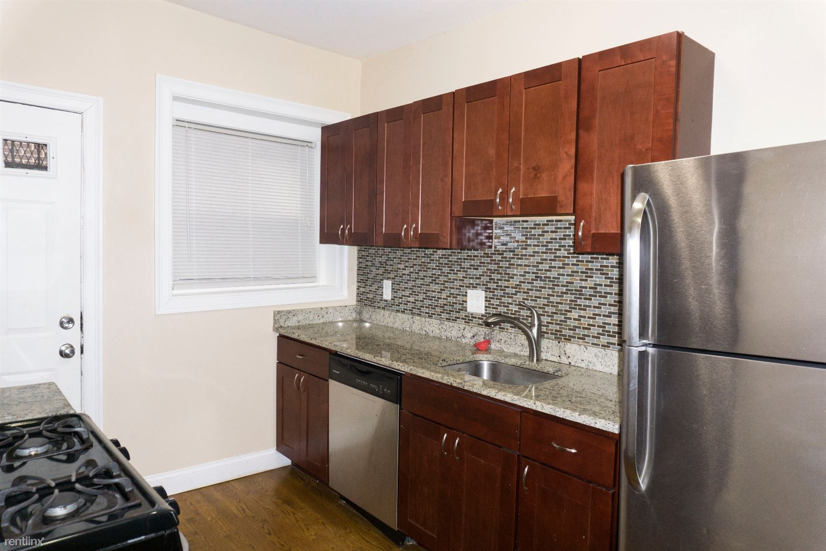 6 Linwood St # 1, Boston, MA - $2,595