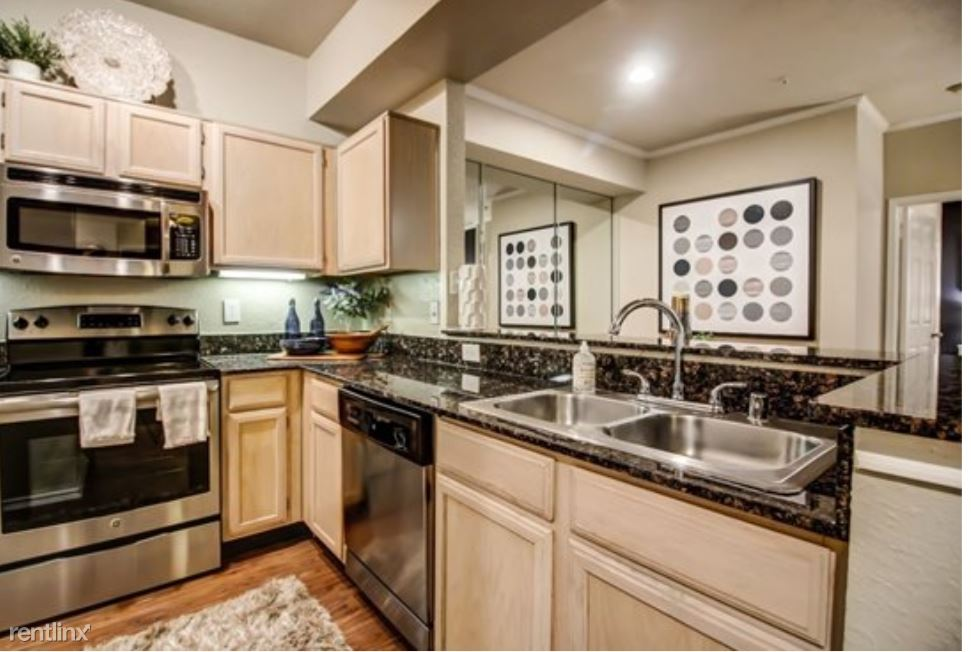 4500 Southridge Dr, Rowlett, TX - $1,499