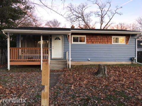 1127 California Avenue, Kalamazoo, MI - $2,250