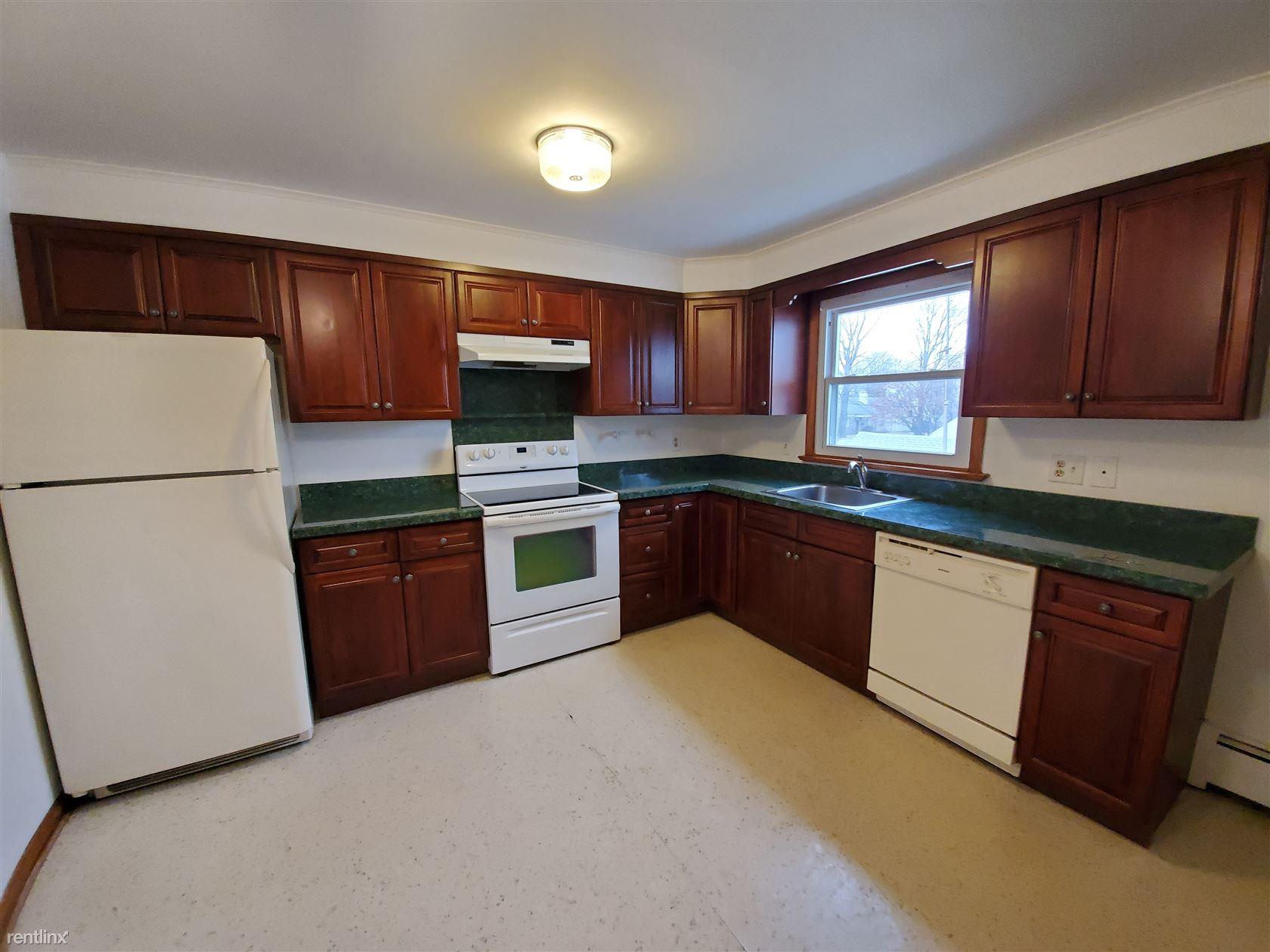 Burwood Ave, Stamford, CT - $1,850