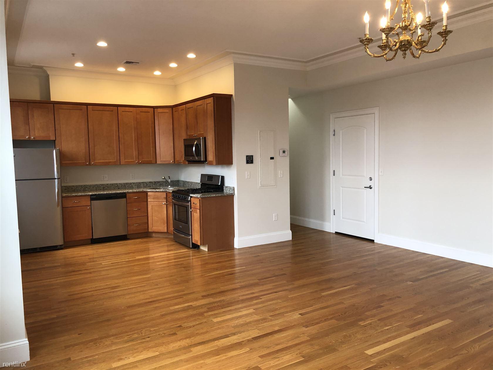 395 W Broadway Apt 3D, South Boston, MA - $4,200