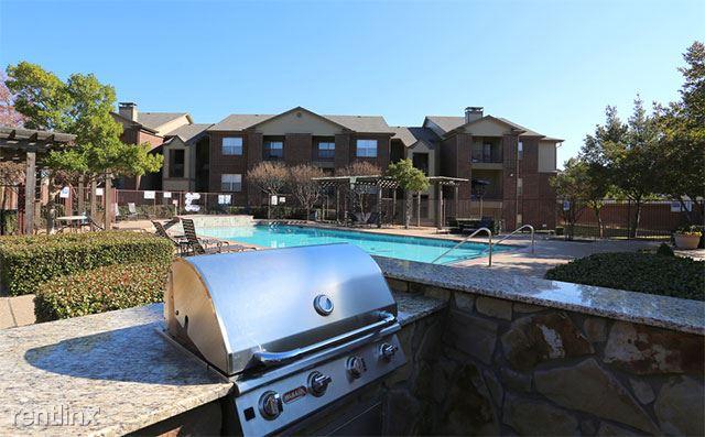 8359 Harwood Rd, North Richland Hills, TX - $995