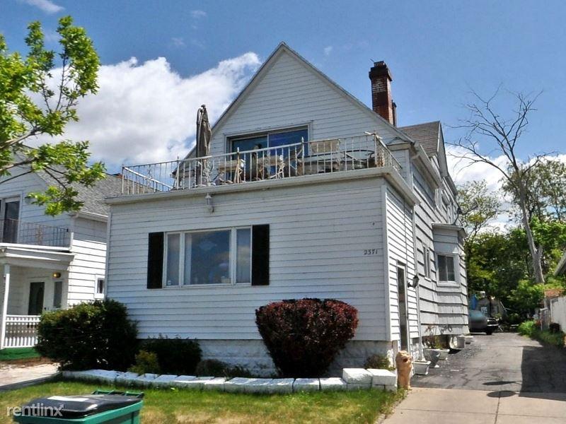 2371 Niagara St 2, Buffalo, NY - $1,200
