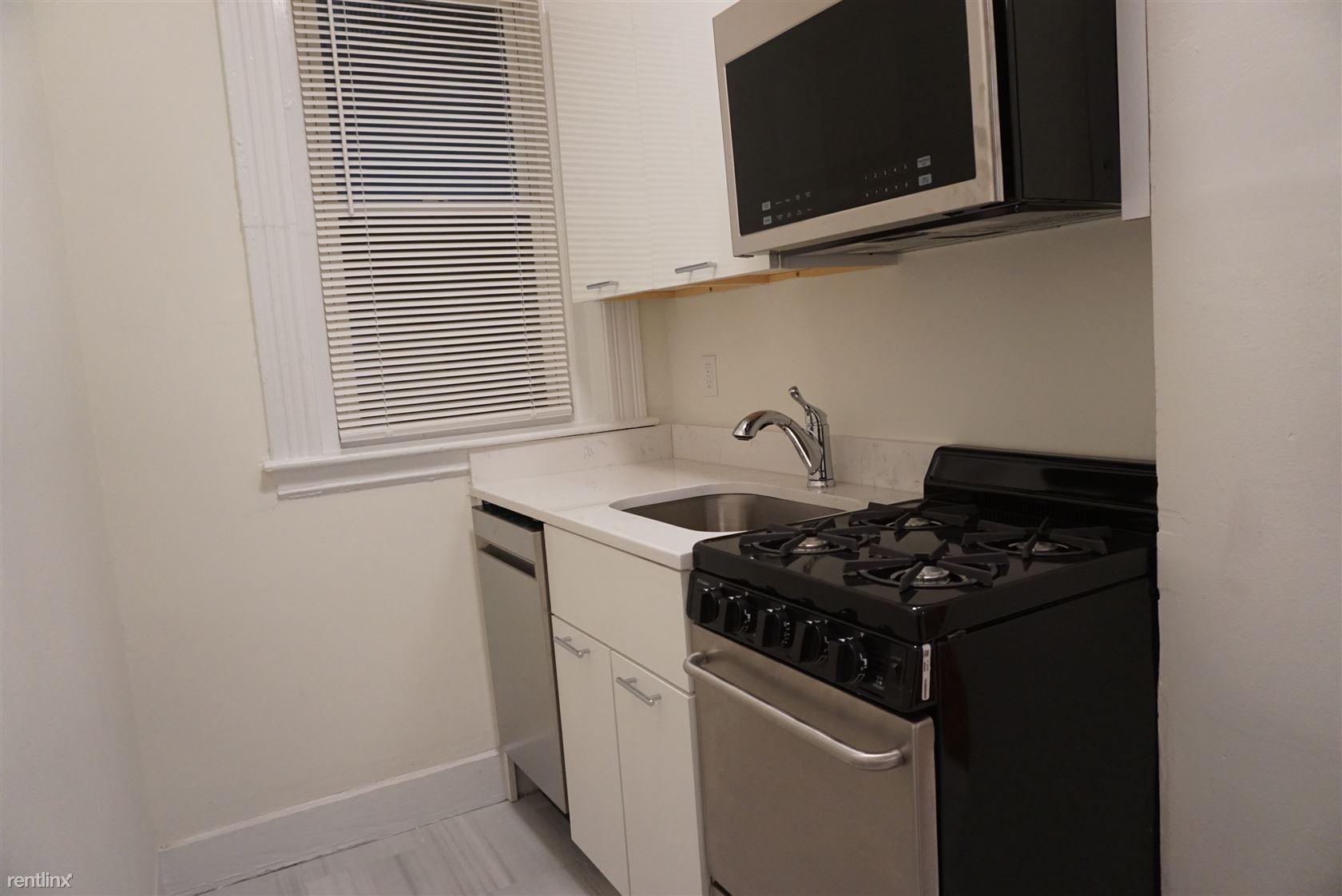 1302 Commonwealth Ave, Allston, MA - $1,650