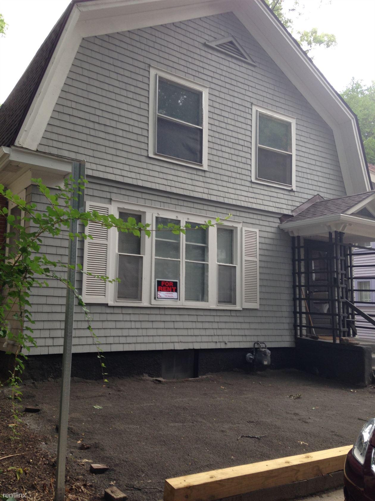 1318 Forest Ct, Ann Arbor, MI - $4,500