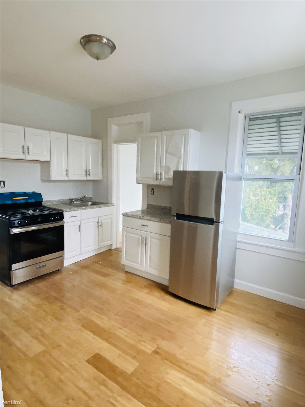 Mansion st and Frey ave, Yonkers, NY - $2,500
