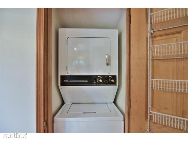 237 Chestnut Drive, Westminster, SC - $2,000