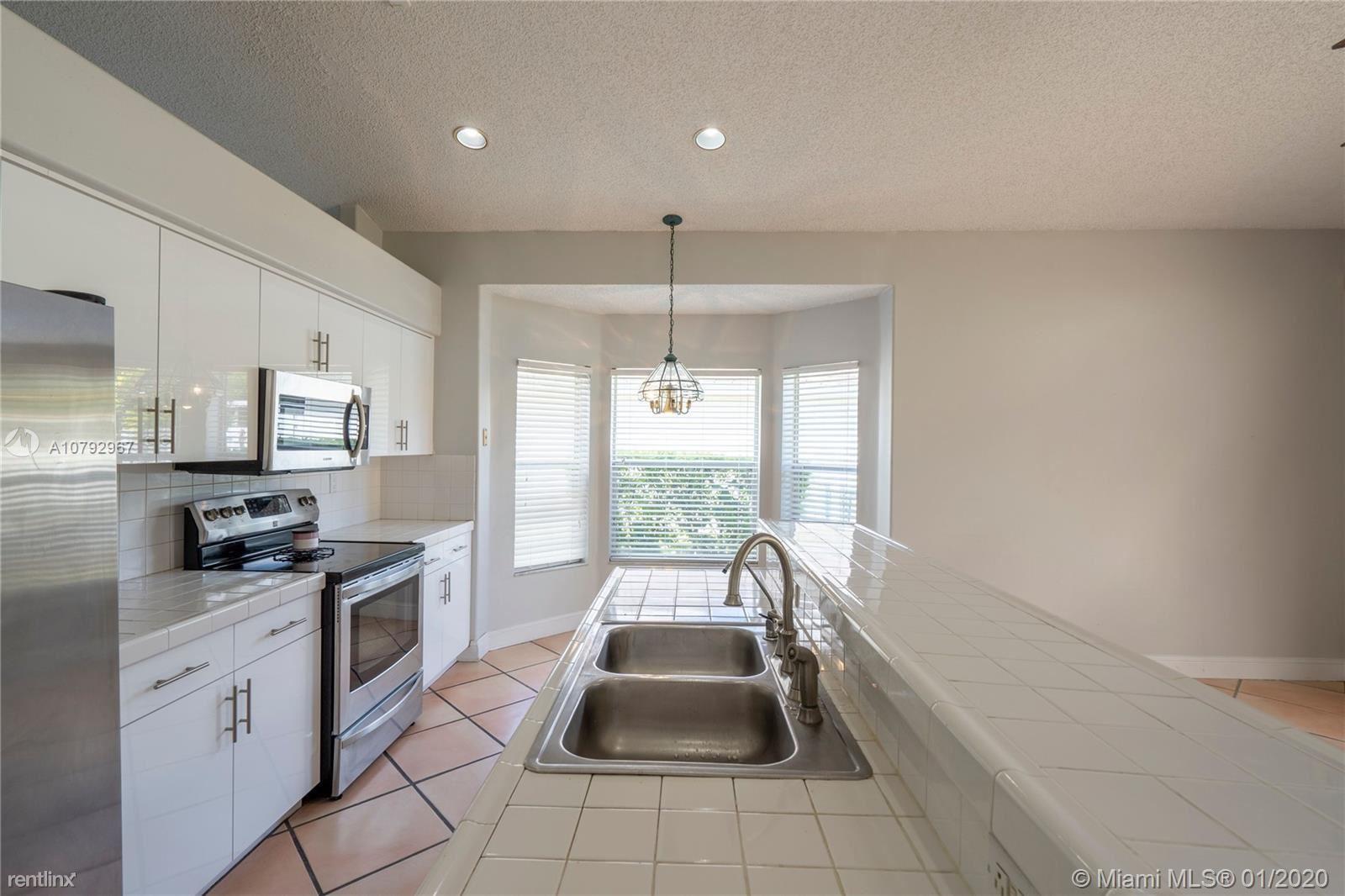 2487 NW 187th Ave, Pembroke Pines, FL - $2,800