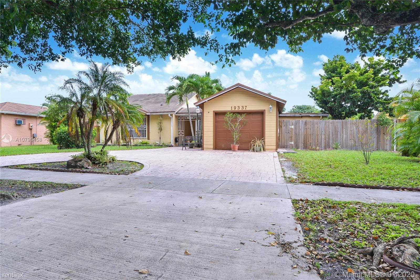 19337 NW 62nd Ave, Hialeah, FL - $2,500