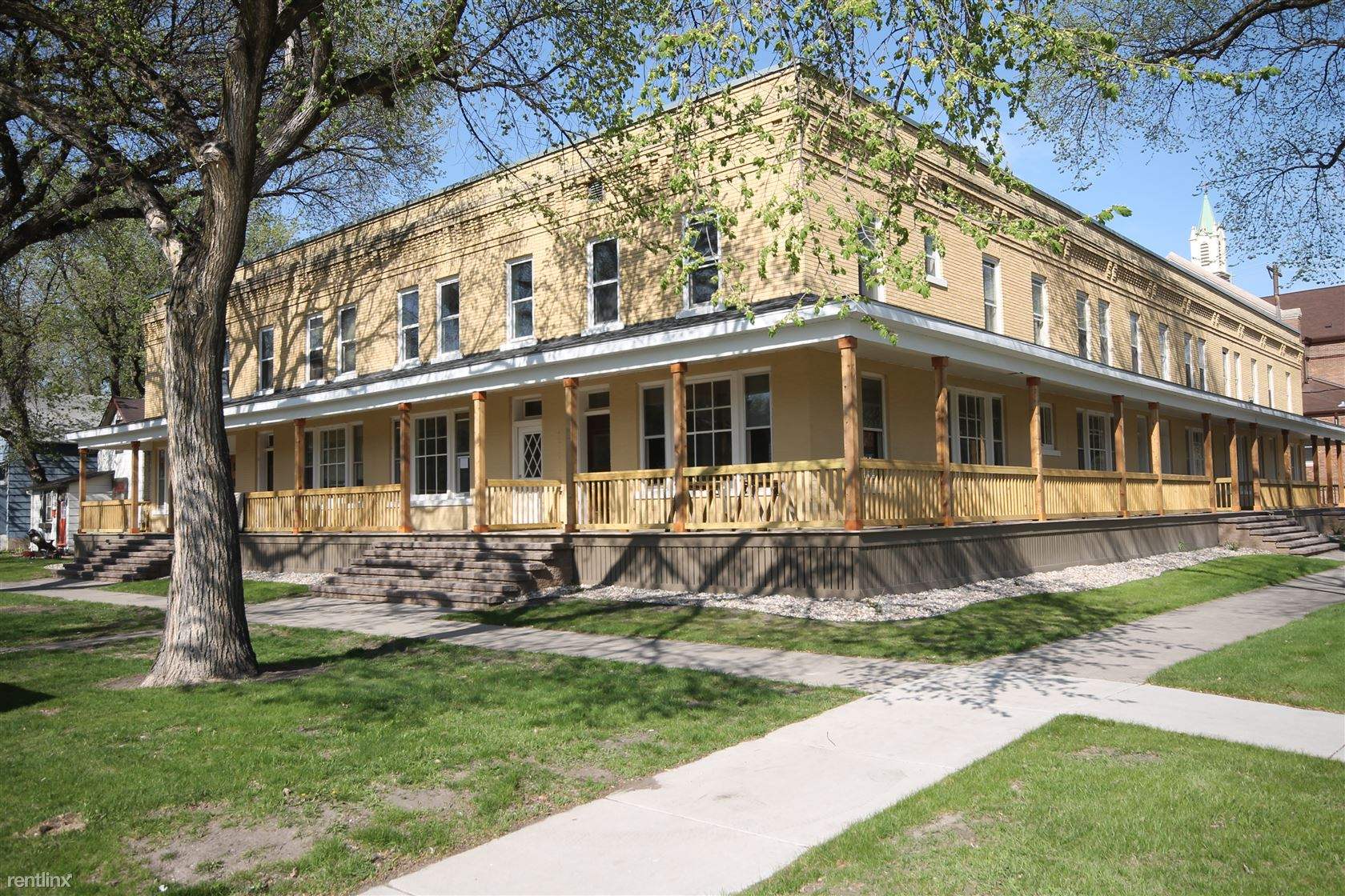 217 Chestnut St, Grand Forks, ND - $1,095